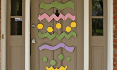 I love decorating my front door for every holiday. See how I decorated it for Easter!