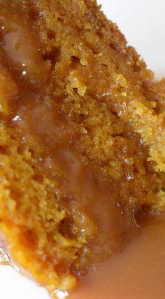 slow-cooker-sticky-caramel-pumpkin-cake