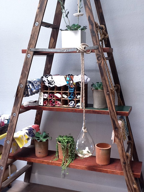 10 Stylish shelving ideas that you can make yourself.