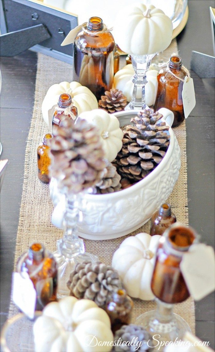 Transform your table with elements of Autumn, just in time for Thanksgiving.