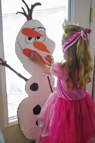 The best decorations, activities, and recipes and for the ultimate Frozen party!