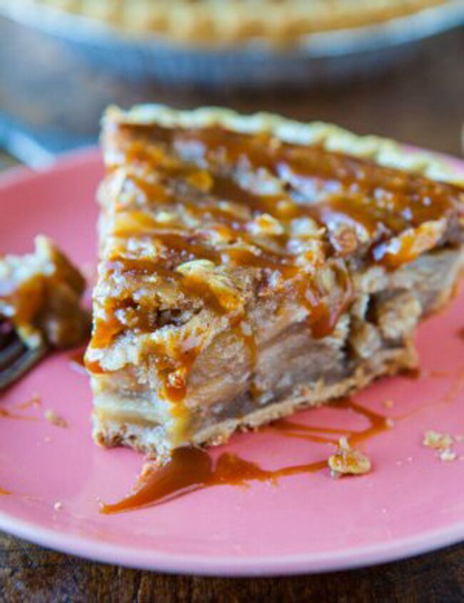 15 Apple Dessert Recipes - including apple pie, apple cake, apple bars, and even a few healthy apple dessert options. These apple recipes are so good, you're going to want to eat dessert before dinner (and maybe for breakfast too).