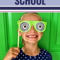 Help your kids have the best first day of school ever with these simple tips and activities to keep your morning on track. From finding the perfect outfit to tips for pictures, what to eat for breakfast and even free sign printables, these back to school tips for parents will make your first day great. Plus a free checklist to keep you organized.