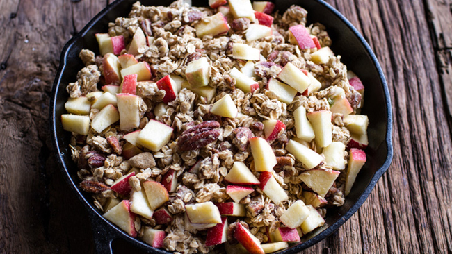 apple-crisp-baked-brie