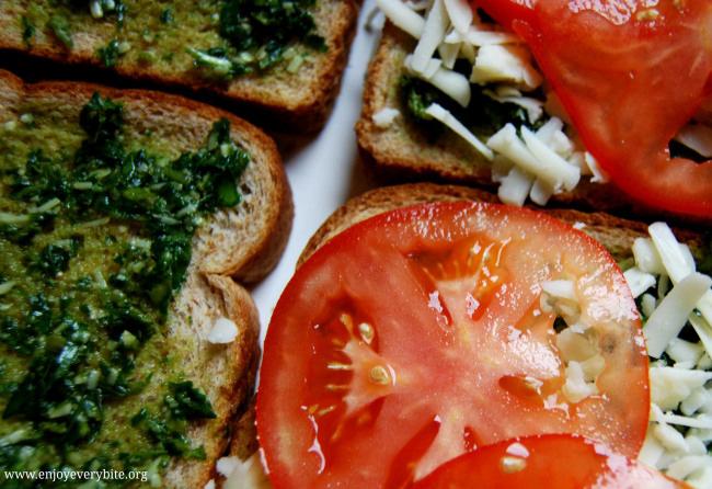 basil-mozzarella-grilled-cheese