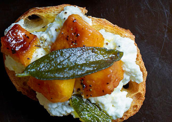butternut-squash-ricotta-and-sage-crostini-copy