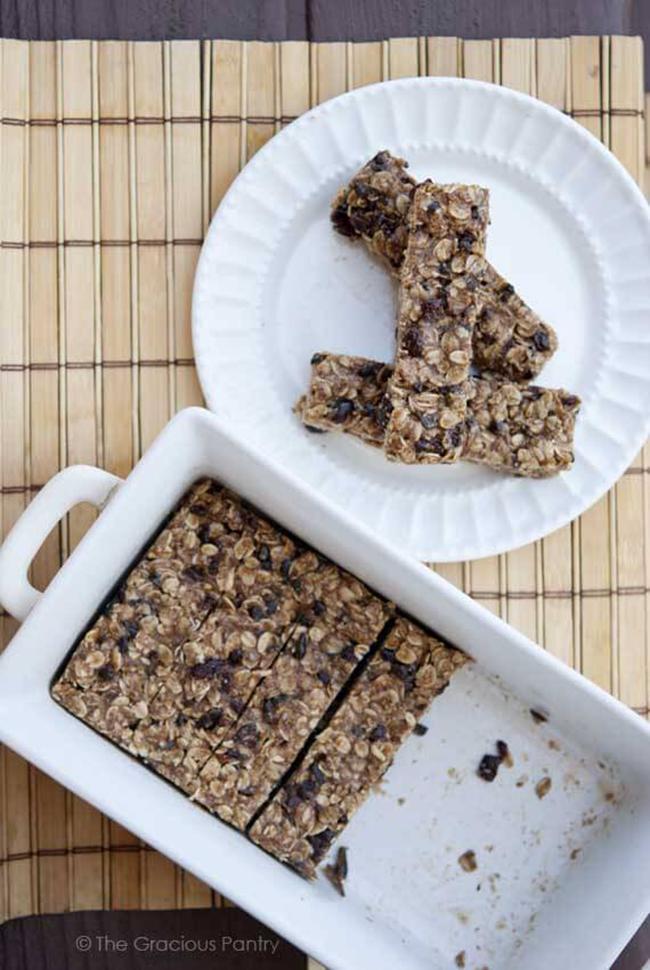 clean-eating-no-bake-oatmeal-granola-bars-copy