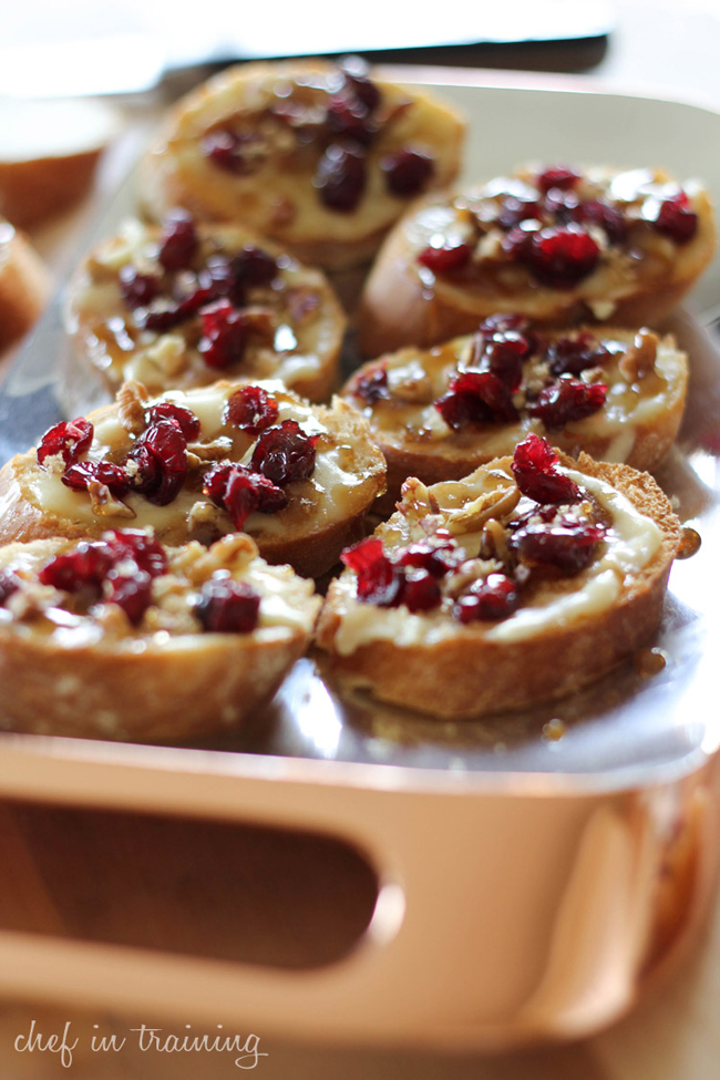 cranberry-pecan-brie-crostinis-with-maple-sugar-glaze