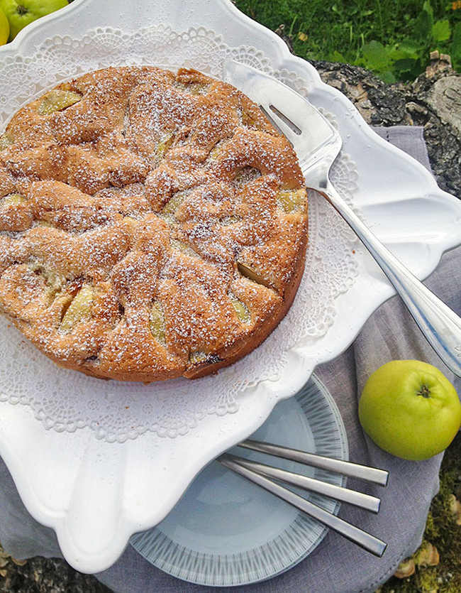 easy-apple-cake