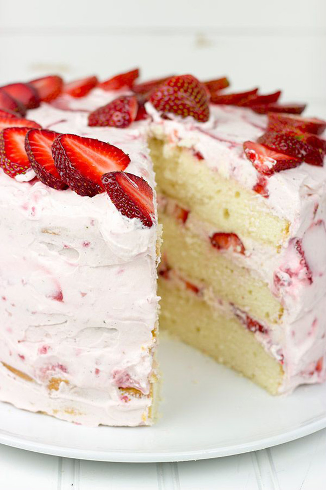 fresh-strawberry-cake