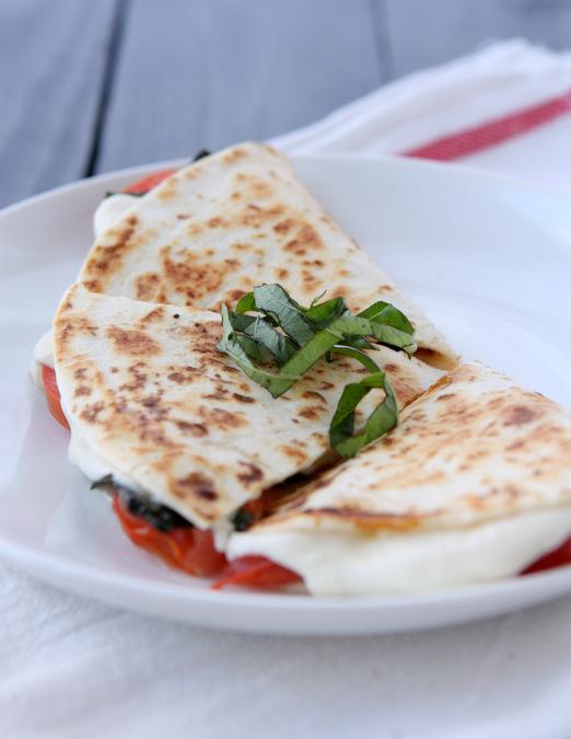 margherita-pizza-quesadilla