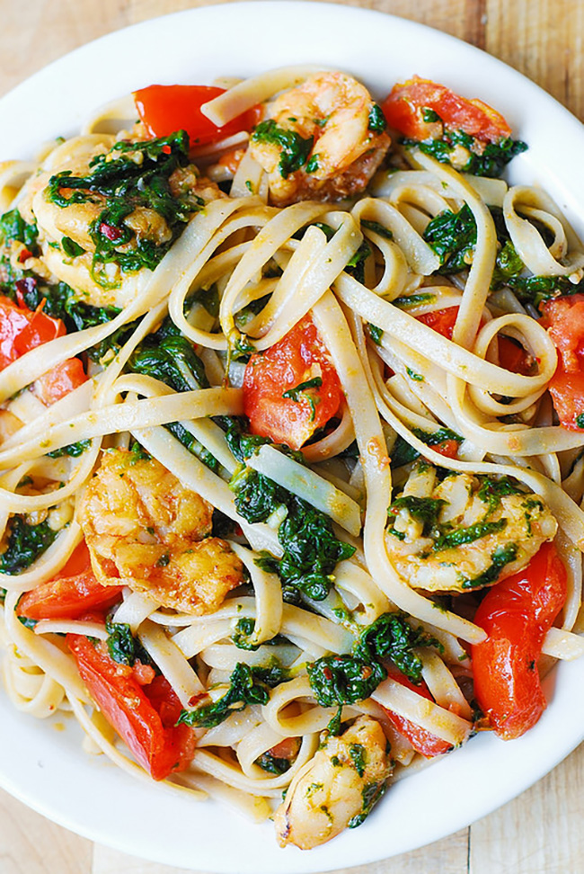 shrimp-tomato-and-spinach-pasta-in-garlic-butter-sauce-copy