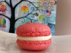 strawberry-and-cream-french-macaroons-for-beginners