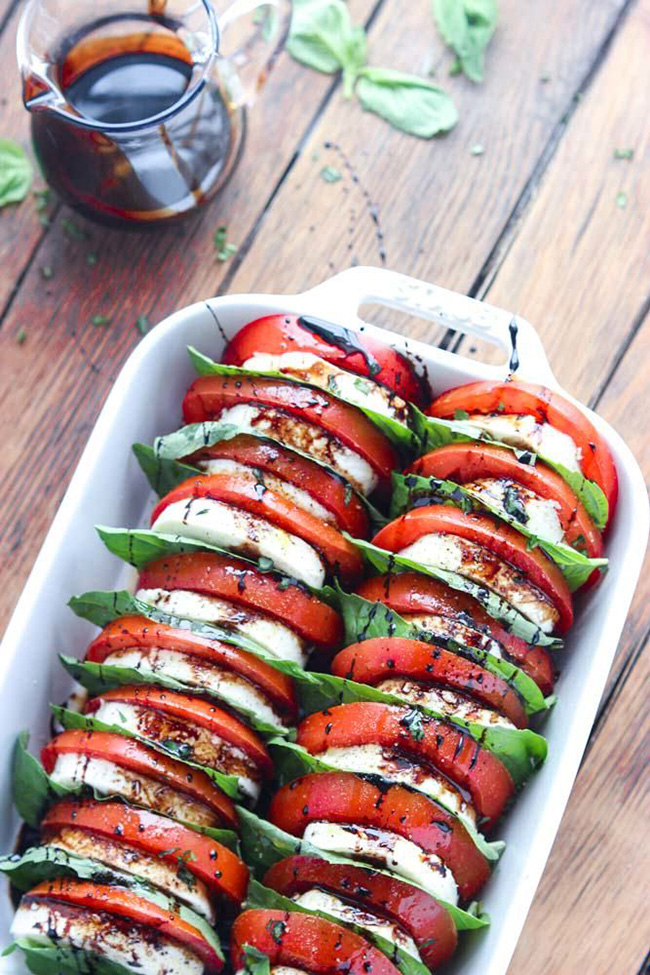 tomato-mozzarella-salad-with-balsamic-reduction-copy