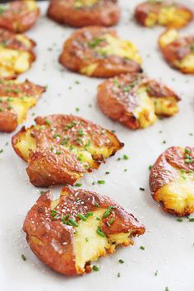 crispy-salt-and-vinegar-smashed-potatoes