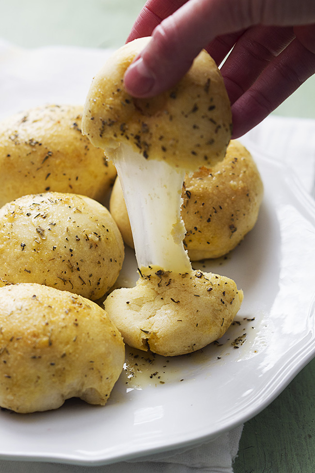 garlic-parmesan-cheese-bombs