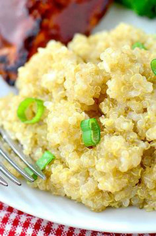 gluten-free-creamy-parmesan-garlic-quinoa