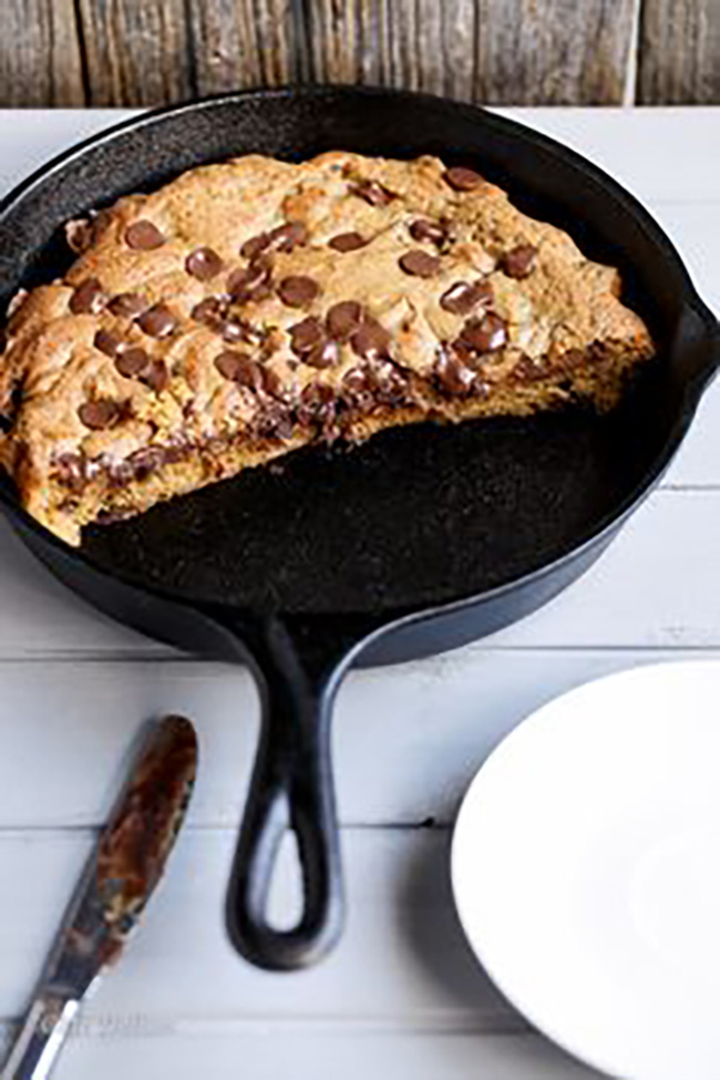 nutella-stuffed-deep-dish-chocolate-chip-skillet-cookie-copy