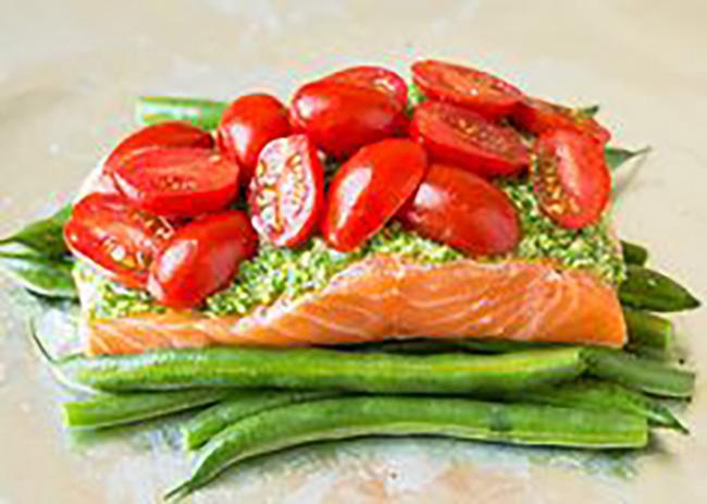 pesto-salmon-italian-veggies-in-foil-copy