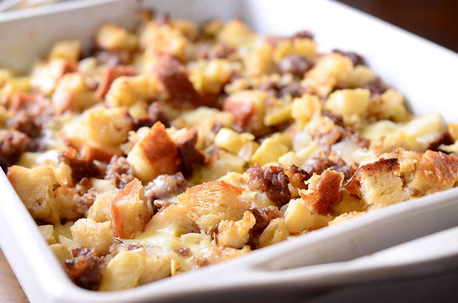 sausage-apple-and-brie-stuffing