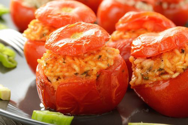 traditional-italian-stuffed-tomatoes-with-rice