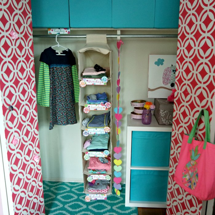 From bathrooms to kitchens and even laundry, we're sharing more than 30 genius home cleaning and organizing hacks, tips and ideas that will make your house shine enough to impress your mother-in-law. We're sharing our very favorite cleaning products, methods, lists, schedules and even some cleaning humor - because sometimes we just need to laugh about it - don't you think? And if you have kids, you're in luck, because here's how to get them to clean the bathroom (or at least do their chores without you asking!). #cleaning #organization #housecleaning #hacks #cleaningwithkids